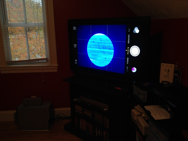 By mirroring the iPhone to the Apple TV, the microscope image became huge