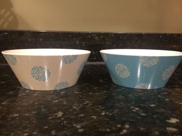 Apparently, inverting colors on otherwise identical bowls leads to dramatically different breakfast experiences.